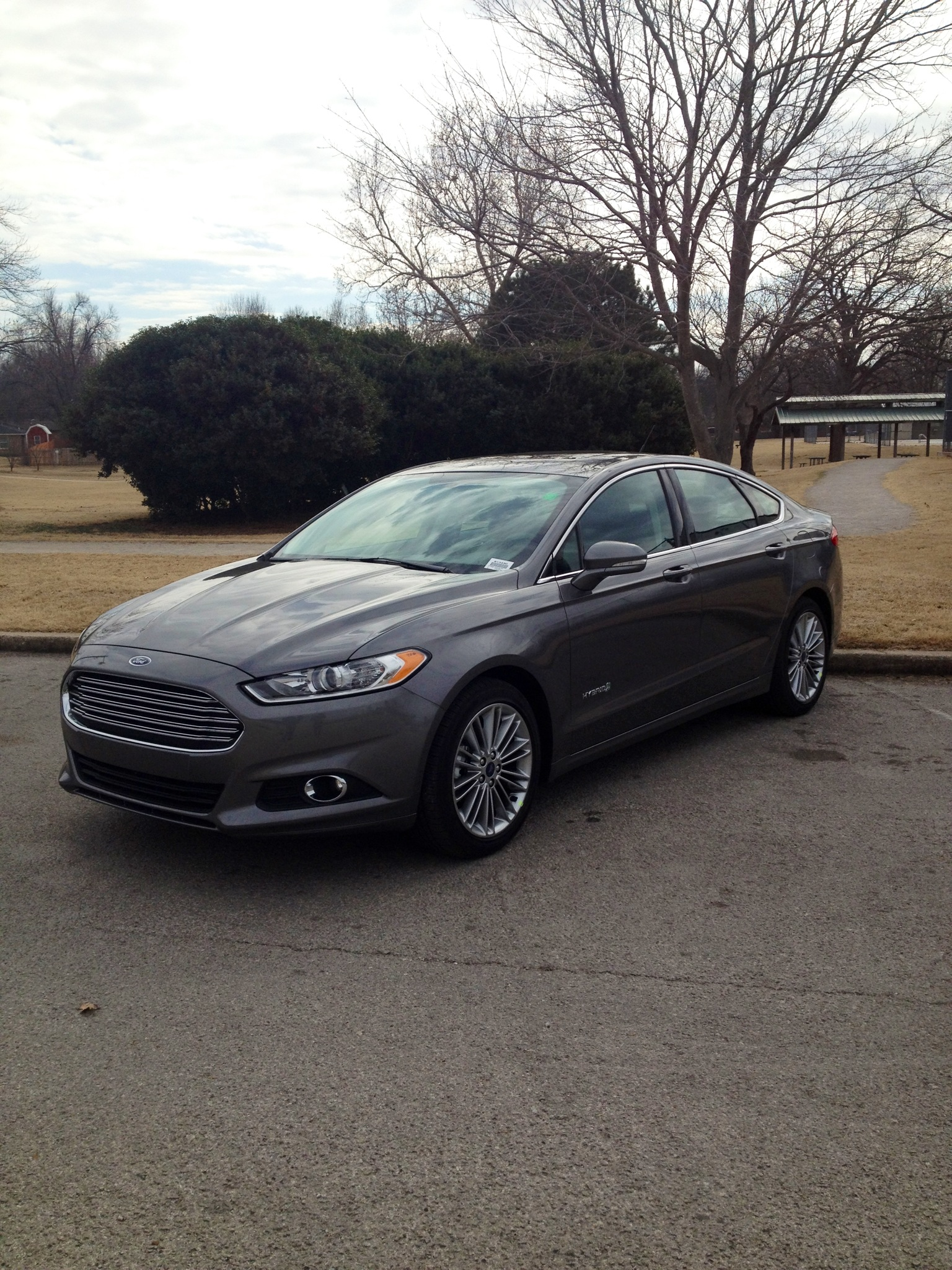 A Look At The 2013 Ford Fusion Hybrid In Grey