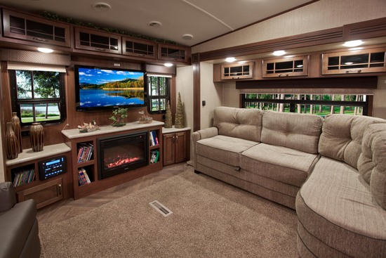 Bob Hurley Ford >> Let's Go Glamping! - Julie Chin